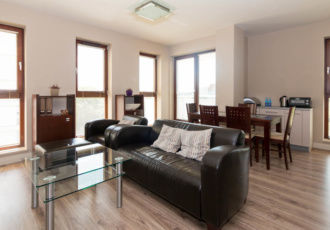 Nice 2 bedroom apartment, close to Medical Uni.