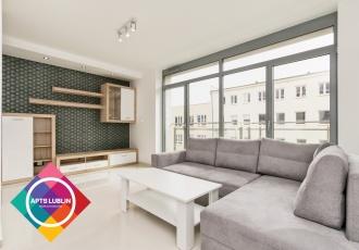 Centrum- ładny, nowocześnie urządzony apartament w budynku z ochroną.