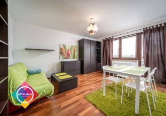 Ładne, w pełni umeblowane 2- pokojowe mieszkanie do wynajęcia.