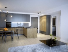 Unia Art Residence – Luxurious apartment, building with swimming pool.